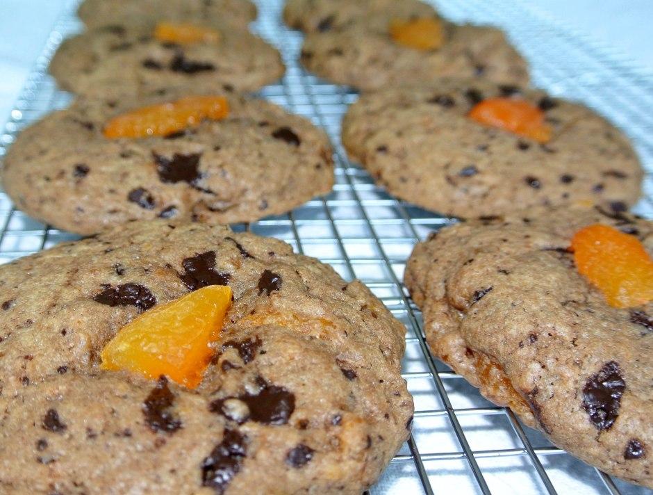 Qamaradeen and dark chocolate cookies.